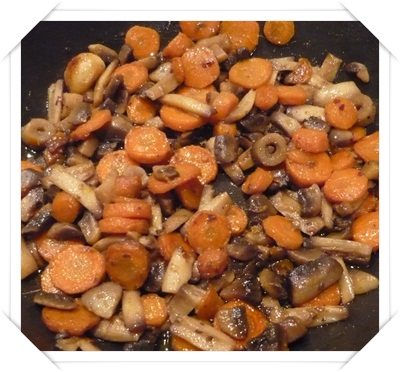 Contorno di carote e funghi champignon