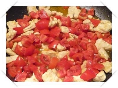 Pollo e pomodori