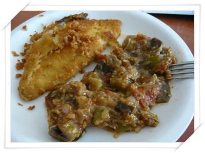 Piatto finito di Sogliola impanata con verdure