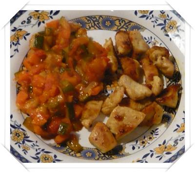 Pollo con contorno di verdure